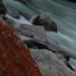 Im Tal der Wasserfälle und roten Steine